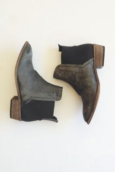 How cute are these Free People Dark Horse Booties? || http://www.swell.com/Footwear/FREE-PEOPLE-DARK-HORSE-ANKLE-BOOT?cs=KH