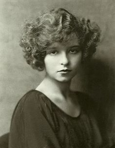 """Long before her reign as the Queen of the Double Entendre, Mae West made her way as a young vaudevillian, performing as """"Baby Mae."""" She adopted the stage name """"Jane Mast"""" as a budding teen—around the time this portrait was taken—before . Golden Age Of Hollywood, Vintage Hollywood, Hollywood Glamour, Hollywood Actresses, Classic Hollywood, Mae West, Silent Film Stars, Movie Stars, Vintage Beauty"""