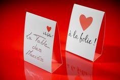 marque-invite-pique-bois-gobelet-assiette-carton-rond-serviette-chemin-table-coeur-valentin-saint-mariage-gobelet-boire-fete-ceremonie-salle-decoration-tab.jpg