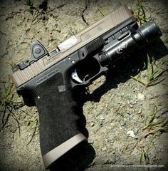 Chris Costa's personal Salient Arms International Glock. Just shot this at his class. Out of control cool