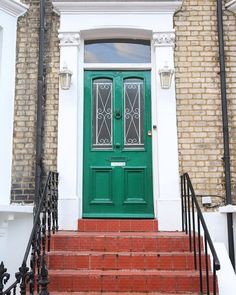 """""""I love a good London door, and this one in Earls Court caught my eye as I walked by. I'm a big fan of the green!"""""""