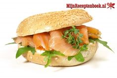 Creative and Great Scrumptious salmon sandwich Seafood Appetizers, Appetizer Recipes, Snack Recipes, Healthy Recipes, Salmon Recipes, Chicken Recipes, Salmon Sandwich, Delicious Sandwiches, Lunch To Go