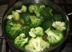 Cestoviny s brokolicou a syrovou omáčkou, Hlavné jedlá, recept | Naničmama.sk Broccoli, Vegetables, Food, Essen, Vegetable Recipes, Meals, Yemek, Veggies, Eten