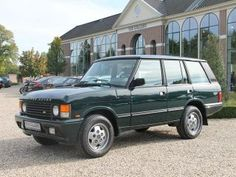 Range Rover. Powered by ROVER V8