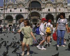 Italia. Venezia: tra arte e gioco nella città dei vaporetti e delle gondole. http://www.familygo.eu/viaggiare_con_i_bambini/veneto/venezia/venezia_viaggi_bambini.html