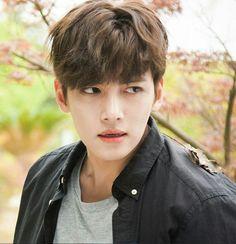 Ji Chang Wook                                                       …