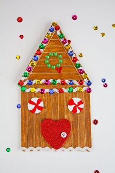 DIY Christmas Kids Crafts   Christmas activities and crafts for kids.  Simple kids crafts for play dates and class parties. #christmascrafts #kidscrafts
