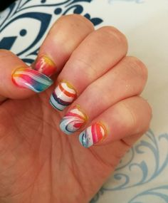 Super coole rainbownails....