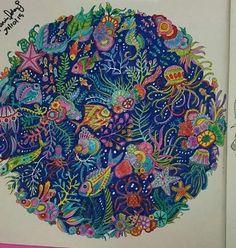 Mandala linda do Oceano Perdido colorido por Karin Oldani. #oceanoperdido #lostocean #johannabasford #desenhoscolorir #jardimsecreto