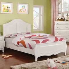 The Young Olivia is the perfect bed for any young girl, featuring a beautiful white finish, elegant curves and stylish moldings. The gentle curves create a relaxing open space to accentuate the distinct appeal.
