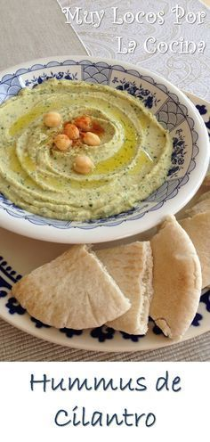 Cilantro hummus: A thick puree of cooked chickpeas, tahini and lemon, with the aromatic touch of fresh cilantro, served cold accompanied by bread. You can find the recipe at www. Side Dish Recipes, Veggie Recipes, My Recipes, Appetizer Recipes, Real Food Recipes, Yummy Food, Favorite Recipes, Appetizers, Salad Recipes