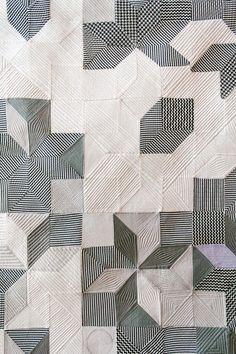 Black and white patchwork quilt Motifs Textiles, Textile Patterns, Textile Art, Quilt Patterns, Fabric Art, Machine Quilting, Quilting Designs, Art Quilting, Modern Quilting