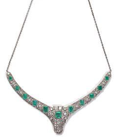Hochwertiges Art-Déco-Collier, deutsch, um 1920 Weißgold, Smaragde, Diamanten