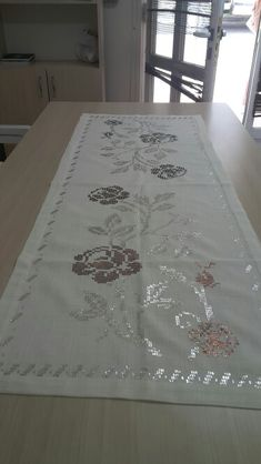 Telkırma Hardanger Embroidery, Hand Embroidery, Embroidery Designs, Weaving Patterns, Needlework, Elsa, Diy And Crafts, Cross Stitch, Beads