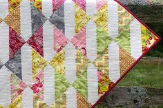 Free 3 Yard Quilt Patterns | Fat Quarter Gang - Baby Bows Quilt tutorial by Made During Quiet Time ...