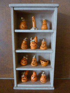 Marfolhuz miniatures: Halloween Pumpkin cupboard    Adorable!