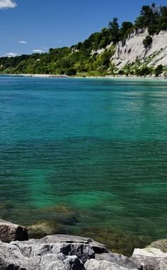 Scarborough Bluffs Park is a Community Park in ON. Plan your road trip to Scarborough Bluffs Park in ON with Roadtrippers. Vacation Trips, Vacation Ideas, Scarborough Bluffs, Nature Reserve, Landscape Photos, Toronto, Road Trip, Places To Visit, Hiking