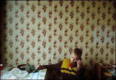 MOSCOW—The Yakovlev family, 1993. © Lise Sarfati / Magnum Photos