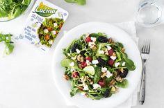 Salát s lesním ovocem a Lučinou salátovou | Apetitonline.cz