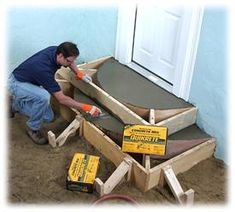 Building Concrete Steps - How To Use Quikrete Concrete Products. For the steps going into the house please. Concrete Steps, Concrete Projects, Backyard Projects, Outdoor Projects, Home Projects, How To Build Steps, Beton Design, Porch Steps, Home Repairs