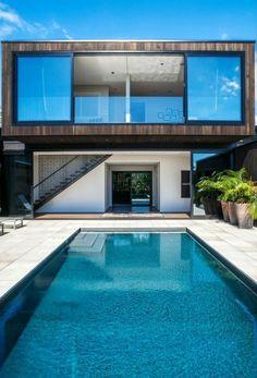 patio moderno de estilo minimalista