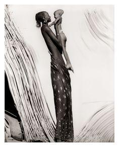 Elisabeth Sunday: grace  The Africa Portfolios: 1986-2012