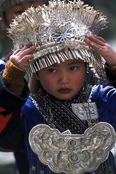 Miao Costume, Langde, Guizhou © Peace On Earth We Are The World, People Around The World, Beautiful Children, Beautiful People, Folk Costume, Costumes, China People, Vietnam, Ethnic Design
