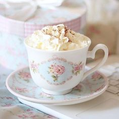 """Find and save images from the """"Sweet"""" collection by Kumi (chuulait) on We Heart It, your everyday app to get lost in what you love. Chocolate Whipped Cream, Hot Chocolate, Coffee Time, Tea Time, Coffee Break, Strawberry Milk, Strawberry Shortcake, Kawaii Shop, Rose Cottage"""