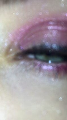 Pink makeup / glitter / green eyes / cry