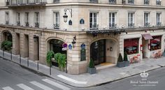 Royal Saint Honore Paris Located in the heart of Paris, the Royal Saint Honore is 1 km from the Louvre Museum and 200 metres from the Tuileries Garden. This 4-star hotel offers soundproofed guestrooms and suites with free internet access.