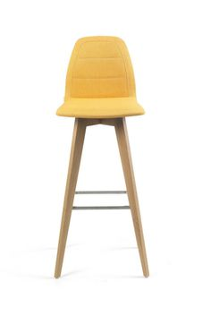 MOOD#12 H82 PB. This design counterheight high chair is perfect for sitting at a bar. Customizable in the color and cover of your choice.