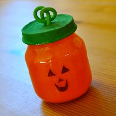 DIY babyfood jar pumpkin DIY Fall Crafts DIY Halloween Décor