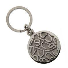 Dije circular pequeño para mascota Letras Nuugi by Tanya Moss porque tu cachorro merece lo mejor en todo.