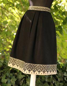 Silk Kurti Designs, Couture, Traditional Dresses, Elegant Dresses, Shorts, Designer Dresses, Dress Skirt, High Waisted Skirt, Fashion Dresses