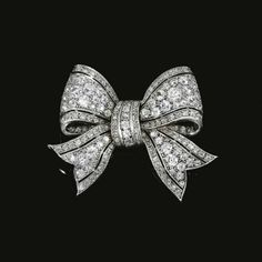 Diamond bow brooch, early 20th century - Sotheby's