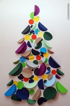 ideas tree crafts for adults kids Christmas Activities, Christmas Crafts For Kids, Christmas Projects, Holiday Crafts, Noel Christmas, Simple Christmas, Winter Christmas, Christmas Ornaments, Paper Christmas Trees