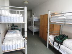 6 bed female dorm with wooden lockers - Glasgow Youth Hostel