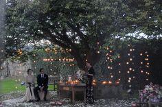 Ceremonia civíl a la luz de las velas en el majestuoso camelio del hotel AC Palacio de Carmen.  Decoración y fotografía de Fiuncho.