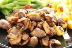 Blondie kookt: Kippenhartjes met champignons en ui