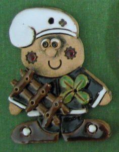 Kominíček pro štěstí Zentangle, Clay, Ceramics, Pottery Ideas, Christmas, Ceramica, Zentangles, Ceramic Art, Zen Tangles