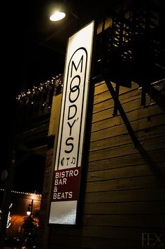 Moody's Bar in Truckee eat inside or outside on the patio.