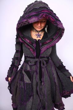 Unbelievably amazing.. wish I could pull it off. Handmade coat by Katwise. Winter Typ, Recycled Sweaters, Gothic Fashion, Boho Fashion, Sweater Coats, Cloaks, Refashion, Cute Fashion, Diy Roupas