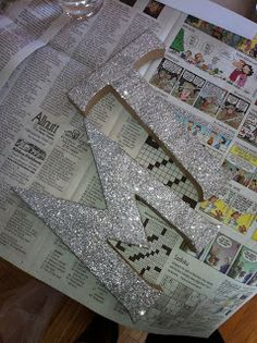 Glittered wedding initials DIY combine with the Mr. Sign for the head table. Glitter Wedding, Diy Wedding, Dream Wedding, Wedding Ideas, Wedding Cake Table Decorations, Wedding Initials, Glitter Letters, Gold Diy, Marrying My Best Friend