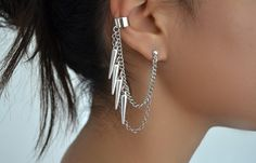 chain earring and ear cuff