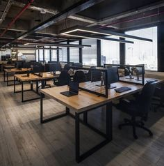 Corporate Office Design Workspaces is very important for your home. Whether you pick the Corporate Office Design Workspaces or Office Interior Design Ideas Modern, you will create the best Office Design Corporate Business for your own life. Open Space Office, Bureau Open Space, Industrial Office Space, Loft Office, Office Plan, Warehouse Office Space, Small Office, Industrial Furniture, Industrial Table
