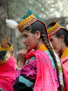 "https://flic.kr/p/dm4TLi   Fairies of Hindu Kush   A Kalash girl at "" Pool "" festival, in Chitral, Pakistan . hindukusherpas.blogspot.com/"
