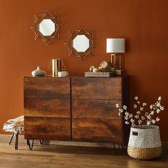 Discover the top paint colors of the year from brands like Valspar, and Sherwin-Williams. These paint colors are handpicked by color experts. Fall Paint Colors, Trending Paint Colors, Valspar Colors, Interior Paint, Interior Design, Living Colors, Color Of The Year 2017, Natural Wood Flooring, Home Decor Trends