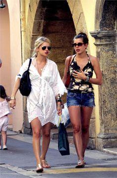Monaco Princess, Emma Watson Beautiful, Princess Grace Kelly, Estilo Real, Monaco Royal Family, Royal Style, Royal Fashion, New Wardrobe, Summer Looks
