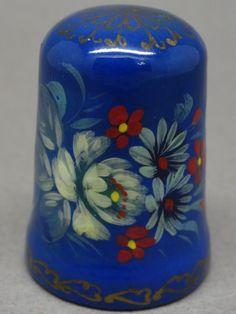 Dedal ruso de madera lacado, pintado a mano. Thimble-Dedal-Fingerhut.