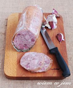 Wiem co jem: Kiełbasa parzona z golonki Sausage Recipes, Pork Recipes, Cooking Recipes, A Food, Good Food, Food And Drink, Home Made Sausage, Polish Recipes, Polish Food